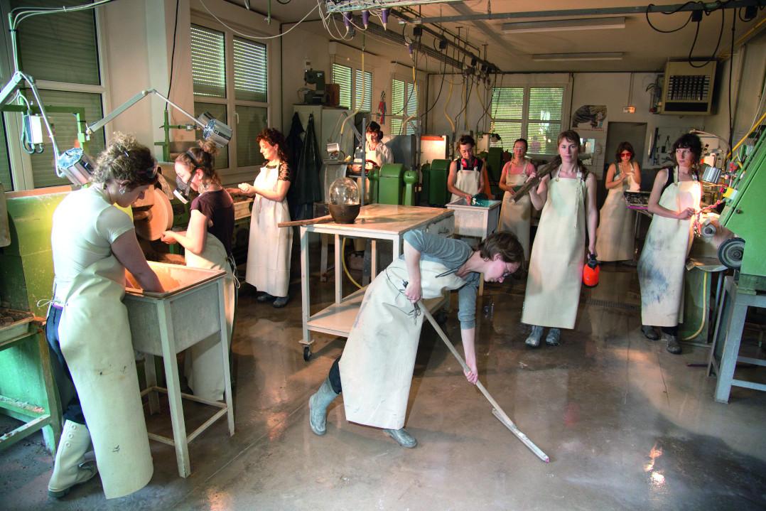 cerfav exposition femmes de verre femmes de verrerie