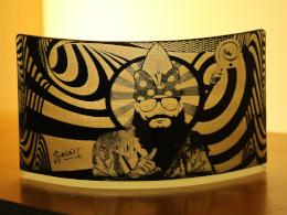 BOSStNICOLAS : le saint Nicolas hipster en verre de Jean-Luc CURABET