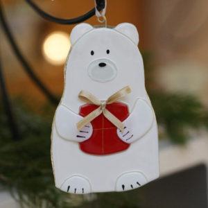 ours en verre avec cadeau à suspendre dans le sapin fait main cerfav